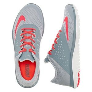 NWB Women's Nike FS Lite Run 2